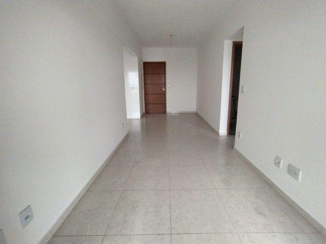 Apartamento Sensacional com 2 Dormitórios na Guilhermina - Foto 6