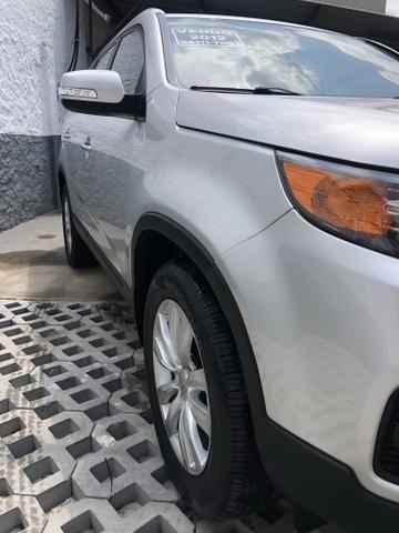 Vendo Kia Sorento Modelo EX2 carro muito novo 2012 - Foto 11