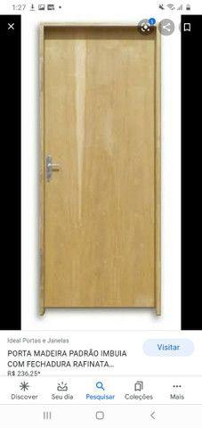 Vendo porta simples de compensado 50,00 já com a fechadura