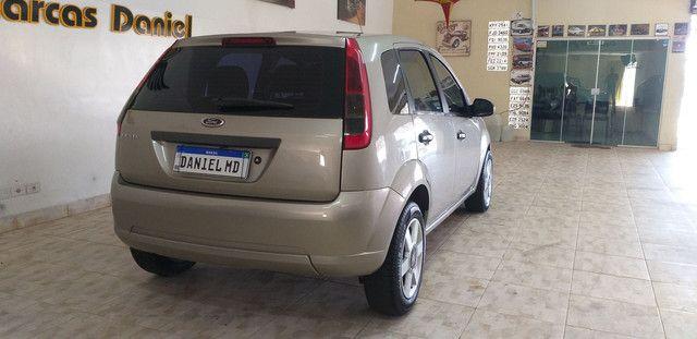 Fiesta 1.0 Hatch Ótima Conservação Completo - Foto 6