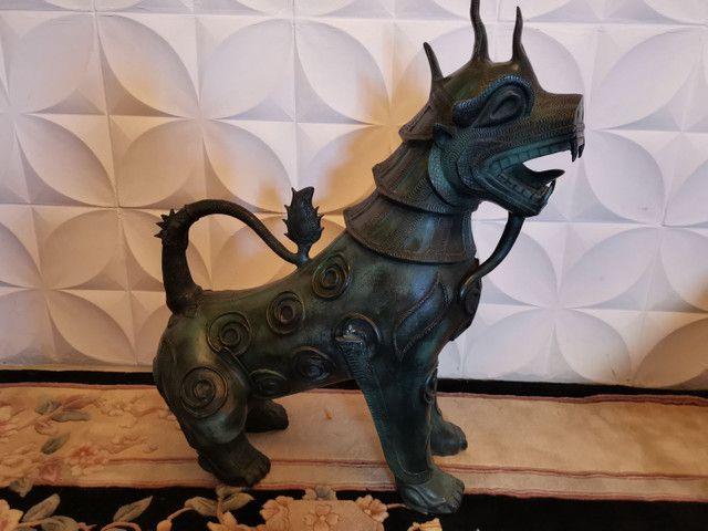 Dragão chinês todo em bronze