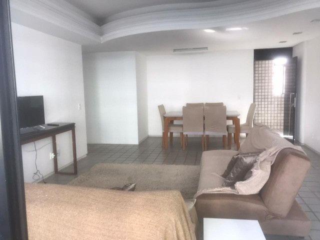 Apartamento com 3 quartos, sendo 1 suíte máster com varanda + DCE e área de lazer completa - Foto 14