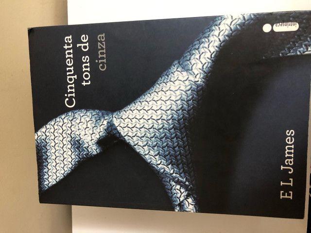 Trilogia 50 Tons de Cinza + Grey - Foto 2