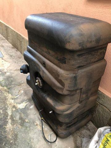 Tanque  Bepo 300 litros original Mercedes - Foto 5