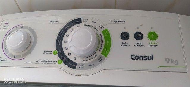 Máquina de lavar Consul 9kg branca.
