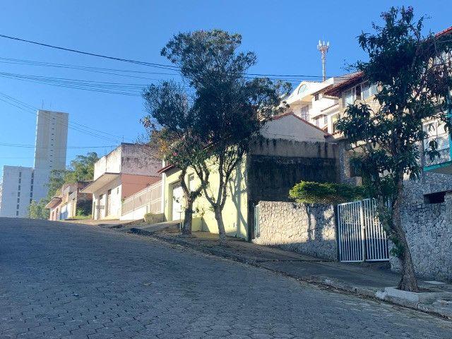 Vendo - Casa com três dormitórios com varandas em São Lourenço/MG - Foto 5