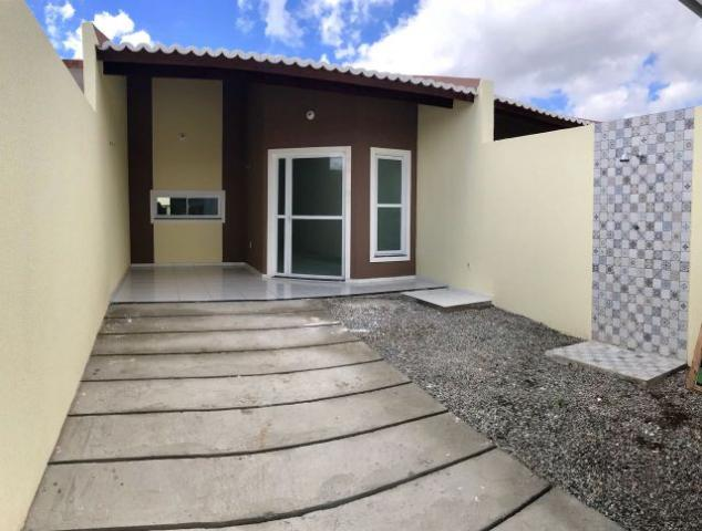 Documentação inclusa: 2 quartos, 2 banheiros, varanda, garagem, sala, coz, quintal
