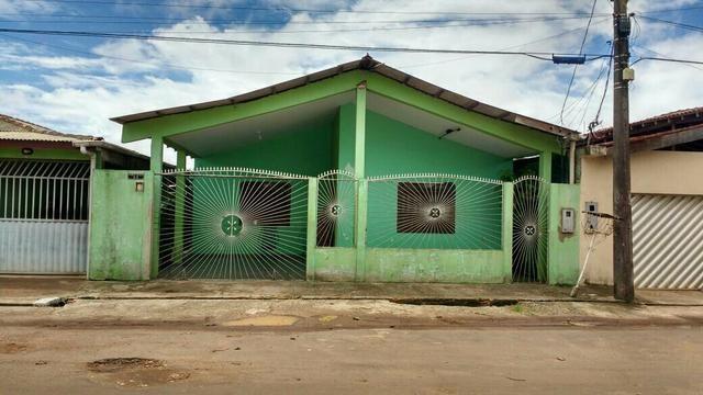 Troca-Se uma casa no bairro São Lázaro,