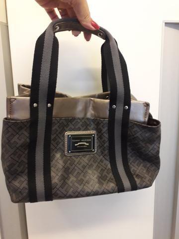 f8579475cd12 Bolsa Tommy Hilfiger cinza com preto - Bolsas, malas e mochilas ...