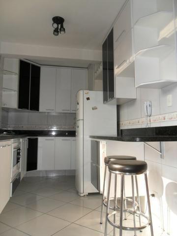 Apartamento Mobiliado, com 03 dormitórios - Água Verde - R$ 1.300,00 + taxas - Foto 8