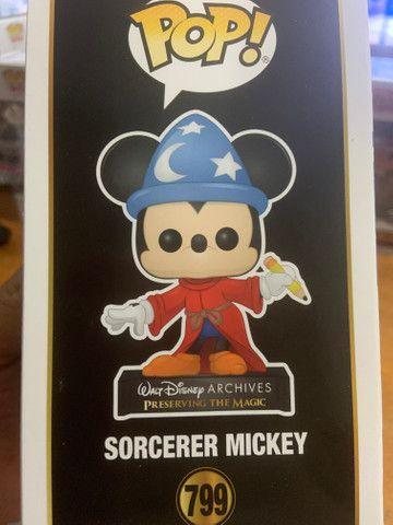 Funko Pop! Disney Archives 50 th: Sorcerer Mickey (Mickey Feiticeiro) #799 - Foto 4