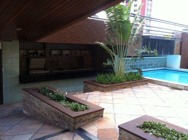 Apartamento com 3 quartos, sendo 1 suíte máster com varanda + DCE e área de lazer completa - Foto 4