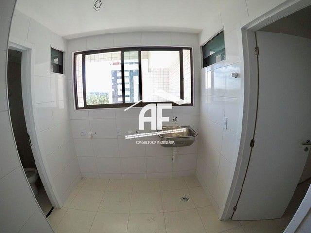 Apartamento com 4 quartos (2 suítes) - Alto padrão com vista total para o mar - Foto 9