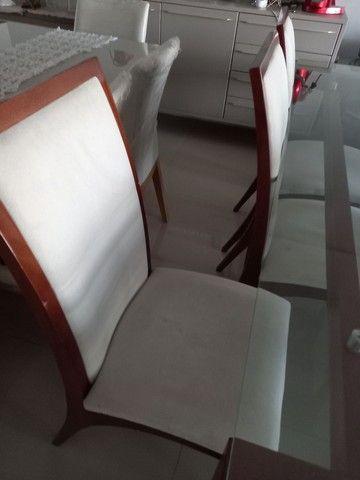 Mesa com cadeiras de 6 lugares tampo de vidro - Foto 4