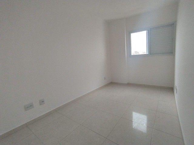Apartamento Sensacional com 2 Dormitórios na Guilhermina - Foto 8