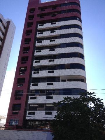 Condomínio Costa do sol no bairro do tirol, são 4 quartos sendo 3 suítes, recebe imóvel