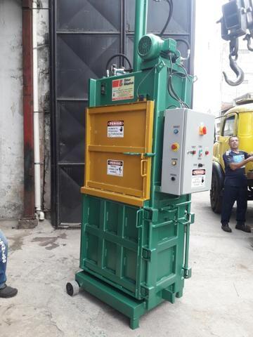Prensa Hidráulica Para Fardos de Reciclagem - Fardos de papelão, pet, alumínio, etc - Foto 3