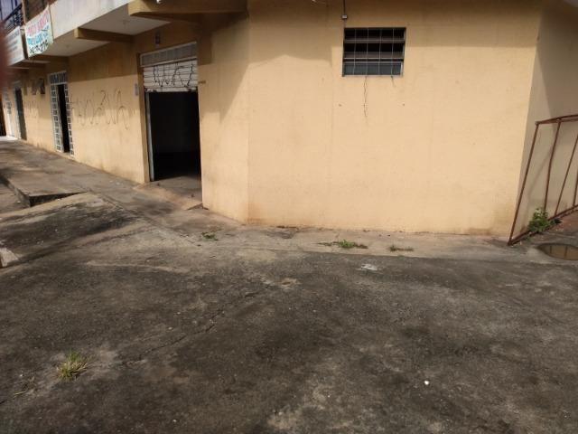Loja de esquina, escriturada e quitada no polo de modas de 200 m2