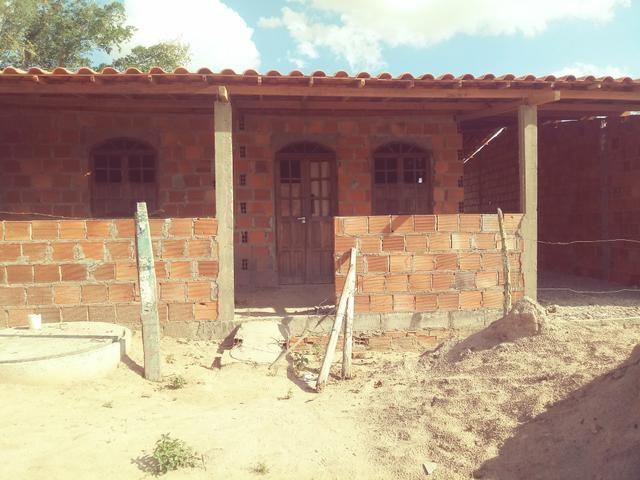 Casa em construcao bairro novo horizonte c/garagem pra 2 carros