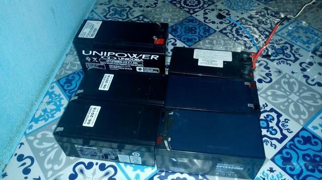 822704d88c6 Baterias para nobreak todas funcionando 100% Essa maior é 75 e as menores  50 reais