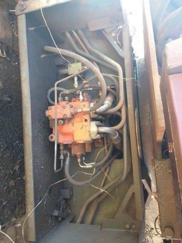 Escavadeira case motor cummins cke ano 89 - Foto 5