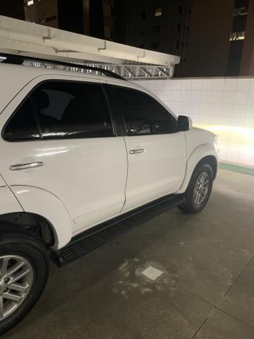 Toyota Hilux SW4 SRV - 5Lugares - Foto 7