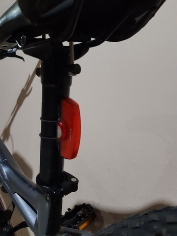 Pisca recarregável  para bike - Foto 2