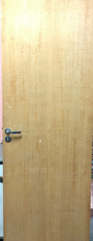 Porta de madeira + portal + fechadura pado