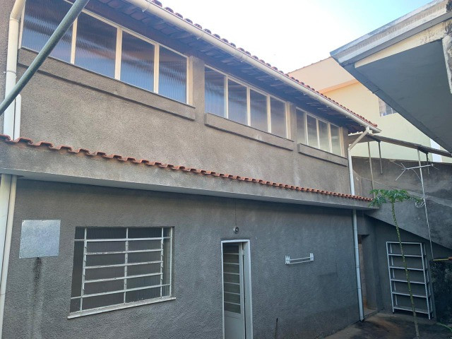Vendo - Casa com três dormitórios com varandas em São Lourenço/MG - Foto 2