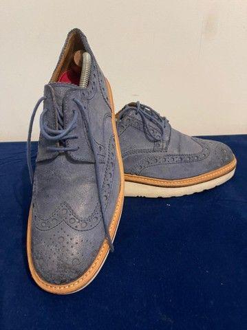 Sapatos ingleses, azul marinho, Grenson, linha esportiva, solas de borracha.