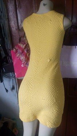 Vestido amarelo elegante - Foto 2