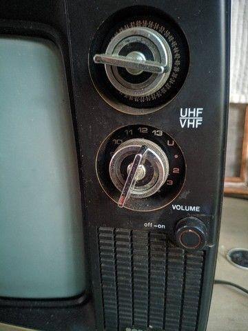 Televisão antiga, uhf/vhf - funcionando - Foto 4