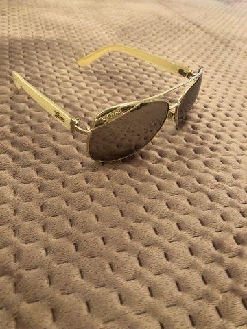 Óculos de Sol marca Guess Original - Foto 2