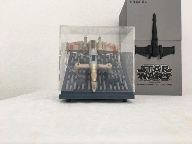 Vendo Drone Star Wars Modelo T65 X Wing usado apenas uma vez! - Foto 2
