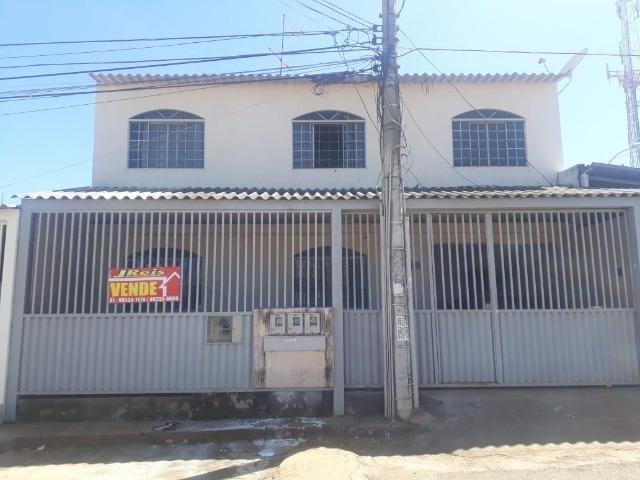 Excelente pra Investimento! Prédio de Esquina na QNP 16 Ceilândia Sul. 390 MIL