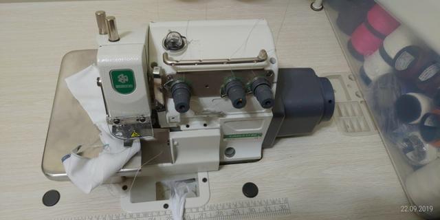 Máquina de Costura Overlock Industrial ZOJE - Foto 2