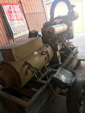 Vendo ou troco aceito carro e moto como parte do negócio: */ *÷ - Foto 2