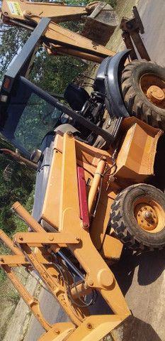 Vendo Retro escavadeira 580M - Foto 3