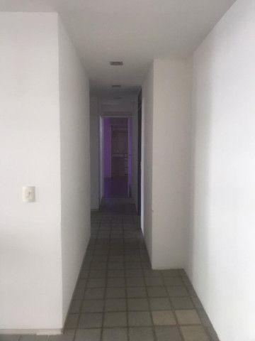 Apartamento com 3 quartos, sendo 1 suíte máster com varanda + DCE e área de lazer completa - Foto 13
