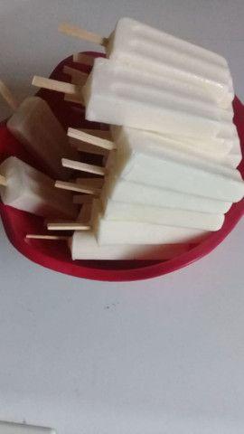 Máquina de fabricar picolés e sorvetes . - Foto 2