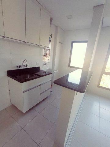 Apartamento 1 dormitório - 1 vaga - Edifício Columbia - São Francisco/Mercês - Foto 20