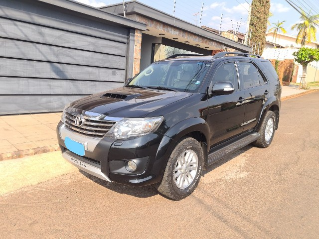 Hilux SW4 3.0 14/14 - 7 Lugares