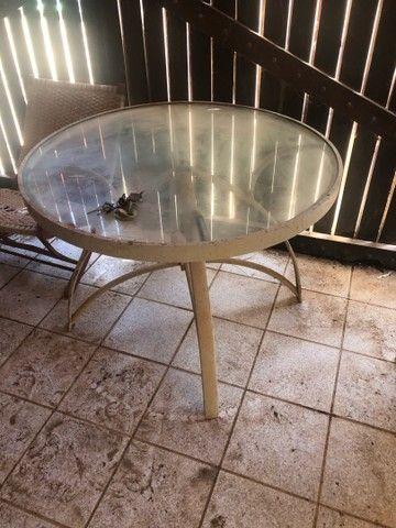 Mesa de vidro e outra com pé de ferro OPORTUNIDADE  - Foto 2