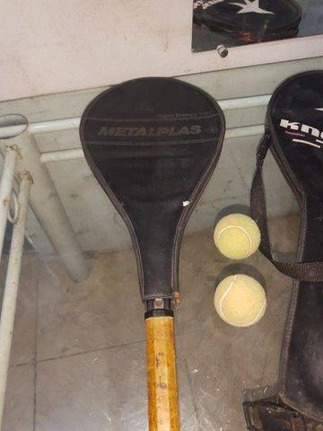 (Cód.029) Duas raquetes e duas bolinhas de Tênis - Foto 3