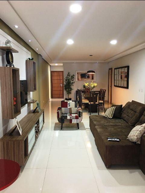 Apartamento alto padrão, 4 quartos sendo 4 suítes