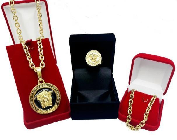 179e9092e87 Kit Medusa Versarce Corrente Cartier + Pingente + Pulseira + Dedeira  Banhado Ouro Novo