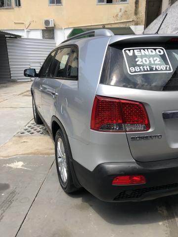 Vendo Kia Sorento Modelo EX2 carro muito novo 2012 - Foto 13