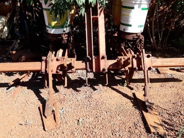 Plantadeira de milho - Foto 2