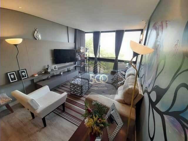 Apartamento com 3 dormitórios de 96m2 de área útil no bairro Coqueiros: