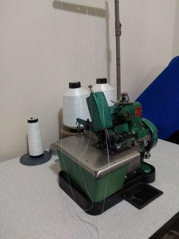Máquina overlock para costurar